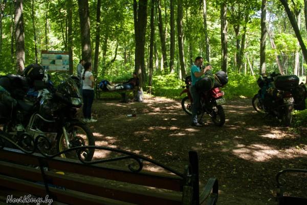 парк Бельмонт, верхняя террасса, мотоциклы, Браславские озёра