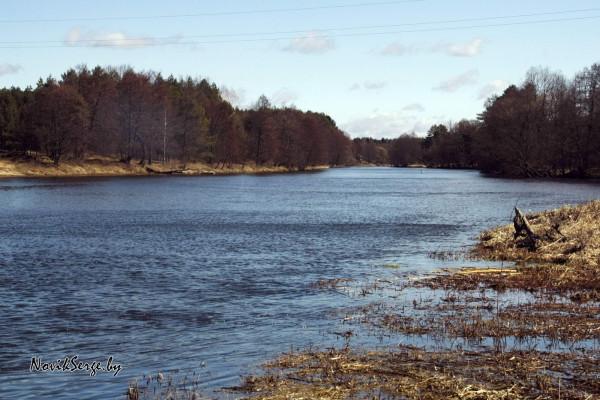 река Вилия, апрель