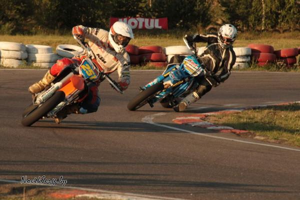 мотоциклы, трасса, поворот
