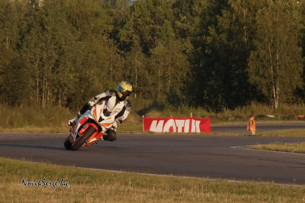 мотоцикл, трасса, поворот