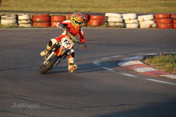 Юный спортсмен, ребёнок на мотоцикле